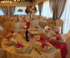 Bang Bang Wedding - I tavoli della sala ricevimento