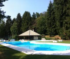Il tavolo degli sposi villa repui villa repui foto 4 for Matrimonio bordo piscina