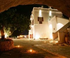 Masseria Torre Coccaro - Vista notturna della location di nozze