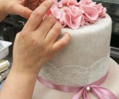Grand Hotel Riviera - La preparazione della torta