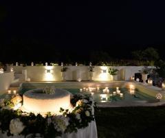 Masseria San Nicola - Torta nuziale a bordo piscina