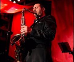 Chicky Mo Swing Band - Il sax della band