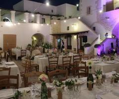 Masseria Casamassima - I tavoli per il matrimonio di sera