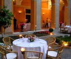Ricevimento di matrimonio nel giardino di Palazzo Cardinal Cesi