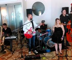 White Wedding Band - La musica live