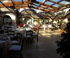 Masseria del Gelso Antico - Allestimento con i tavoli rotondi