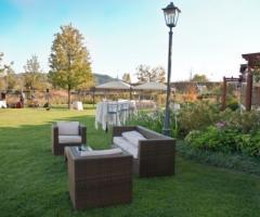 Villa Aretusi - Allestimento del matrimonio in giardino