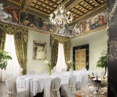 Hotel d'Inghilterra - Sala Pio IX allestita per il matrimonio