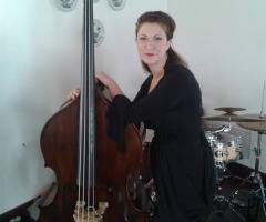 Miss Giulia's Musica e Animazione - Giulia al sax