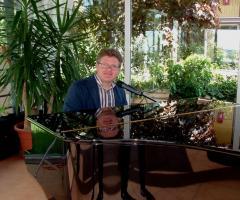 Duo Giancarlo Music - Giancarlo al piano