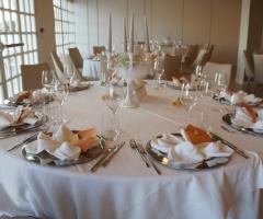 Grand Hotel Riviera - Il tavolo degli invitati