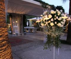 Addobbi floreali per la location di nozze