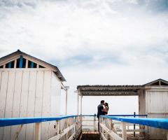 Matrimonio Mare foto sposi Qualcosa di Blu