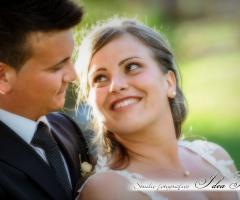 Fotografia sorridente della sposa