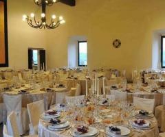 Abbazia di Sant'Andrea in Flumine - Tavoli rotondi per il matrimonio