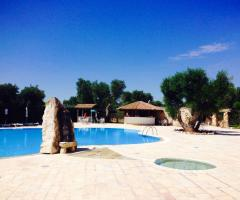 Agriturismo Tredicina - Gli spazi a bordo piscina
