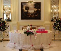 Villa Reale Ricevimenti - Le decorazioni del tavolo degli sposi