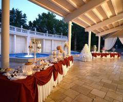 I Giardini della Corte - Allestimento di un ricevimento di nozze serale