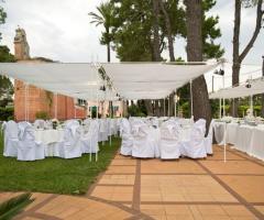 Matrimonio total white sotto il gazebo