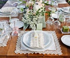 Le Rose di Zucchero Filato - Un tipo di allestimento della tavola