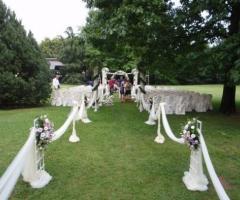 Allestimento del ricevimento di nozze