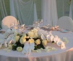 Allestimento del tavolo degli sposi di Studio Stilistico La Ninfa