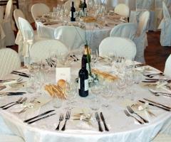 Castello di Desana - Mise en place bianca per il matrimonio