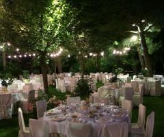 Tavoli per il matrimonio in giardino
