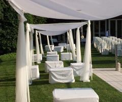 Ristorante Alla Veneziana - Allestimento cerimonia di matrimonio a bordo piscina