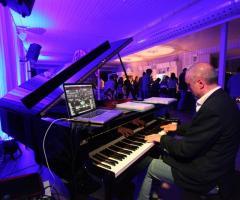 Esibizione di pianoforte durante un matrimonio a cura di Silvio Perta Musica ed Eventi
