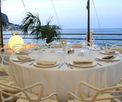 Alle Terrazze - Ingresso del ristorante per matrimoni sul mare a ...