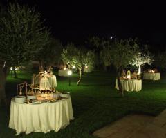 Masseria Cariello Nuovo - I tavoli dei dolci all'aperto