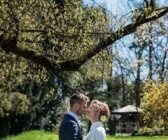 Gli sposi a Parco Gambrinus: una location mozzafiato per le foto delle nozze