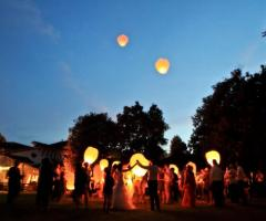 Il lancio delle lanterne thailandesi a Parco Gambrinus