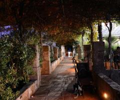 Tenuta Montenari - Porticato d'entrata della tenuta per matrimoni