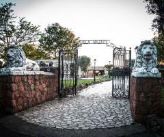 Villa Valente - Il cancello di ingresso