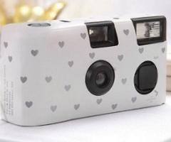 Macchine fotografiche usa e getta ai matrimoni... ed è subito tendenza!