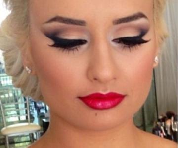 Anna Make-Up