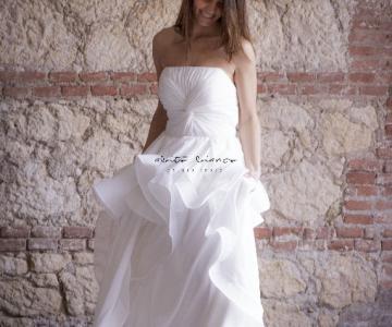 Vestiti Da Sposa Vicenza.Abito Bianco L Atelier Degli Abiti Da Sposa A Vicenza