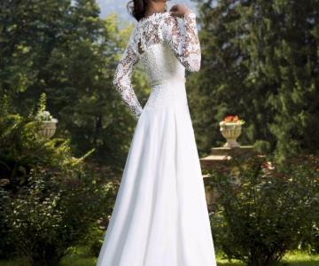 96221edd6f66 Iris Abiti da Sposa - Atelier abiti da sposa a Pordenone - LeMieNozze.it