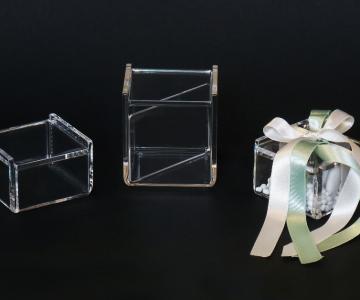 Cavinato acrylics s.a.s. lavorazione e articoli in PLEXIGLASS
