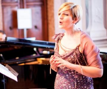 Lucia Esposito soprano