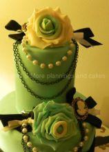 Wedding cake elegante sui toni del verde