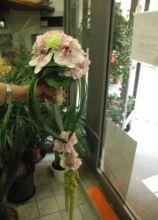 Bouquet per la sposa originale con fiori rosa