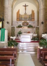 Chiesa addobbata per il matrimonio