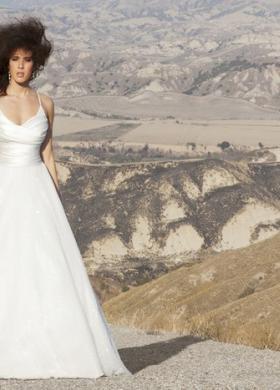 Angela Pascale Spose - Vestito da sposa linea A con ampia cinta stretta in vita