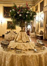Centrotavola per il matrimonio con fiori e piante
