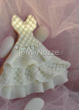 Biscotto a forma di abito da sposa con brillantini