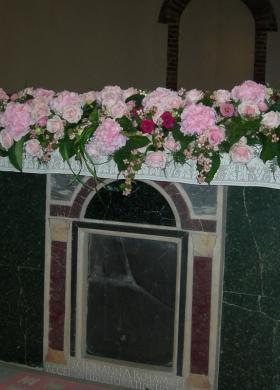 Rose per addobbo in chiesa