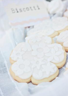 Biscotti a forma di fiore